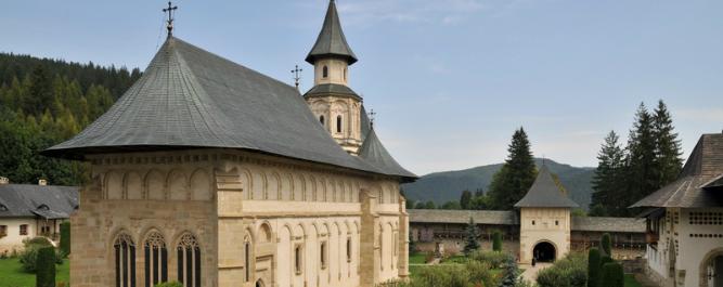 Manastirea Putna - studiu de caz - centrala pe lemne arca regovent 120 R - Technova - garantie - punere in functiune